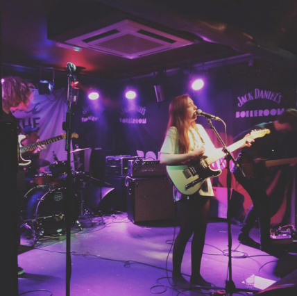 sophie and the giants live boileroom